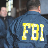 Indaga FBI filtración de correos a WikiLeaks