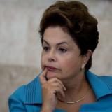 Rousseff reducirá presupuesto en Brasil para recuperar confianza de inversores