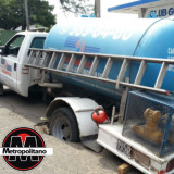 Pipa contenedora de gas se hunde en calle de Veracruz