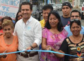 Inaugura el Alcalde MAYM la repavimentación de la Calle Texcoco