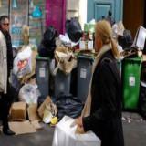 París se llena de basura por huelga de trabajadores