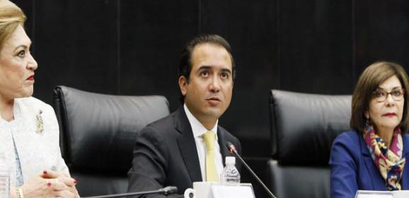 Fernando Yunes, candidato / Iván Calderón