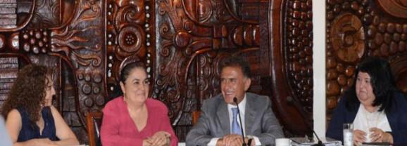 Apoyaré totalmente a la Universidad Veracruzana con acciones concretas y no con iniciativas demagógicas: MAYL