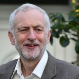 Corbyn rechaza renunciar pese a moción de censura
