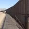 Levantan muro metálico para fortalecer frontera México-EU