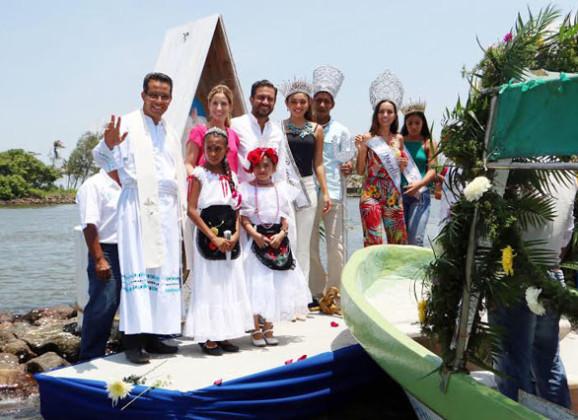 Con el paseo de Nuestra Señora de Santa Ana por el río Jamapa, concluyen las Fiestas de Santa Ana 2016
