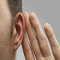 Zumbido en el oído es síntoma inicial de sordera