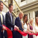 Protestan contra Trump al inaugurar su nuevo hotel en Washington