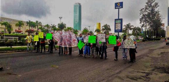 Bloqueos de avenidas, aplicar la ley / Miguel Ángel Cristiani González