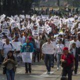 Ciudadanos marchan contra gasolinazos